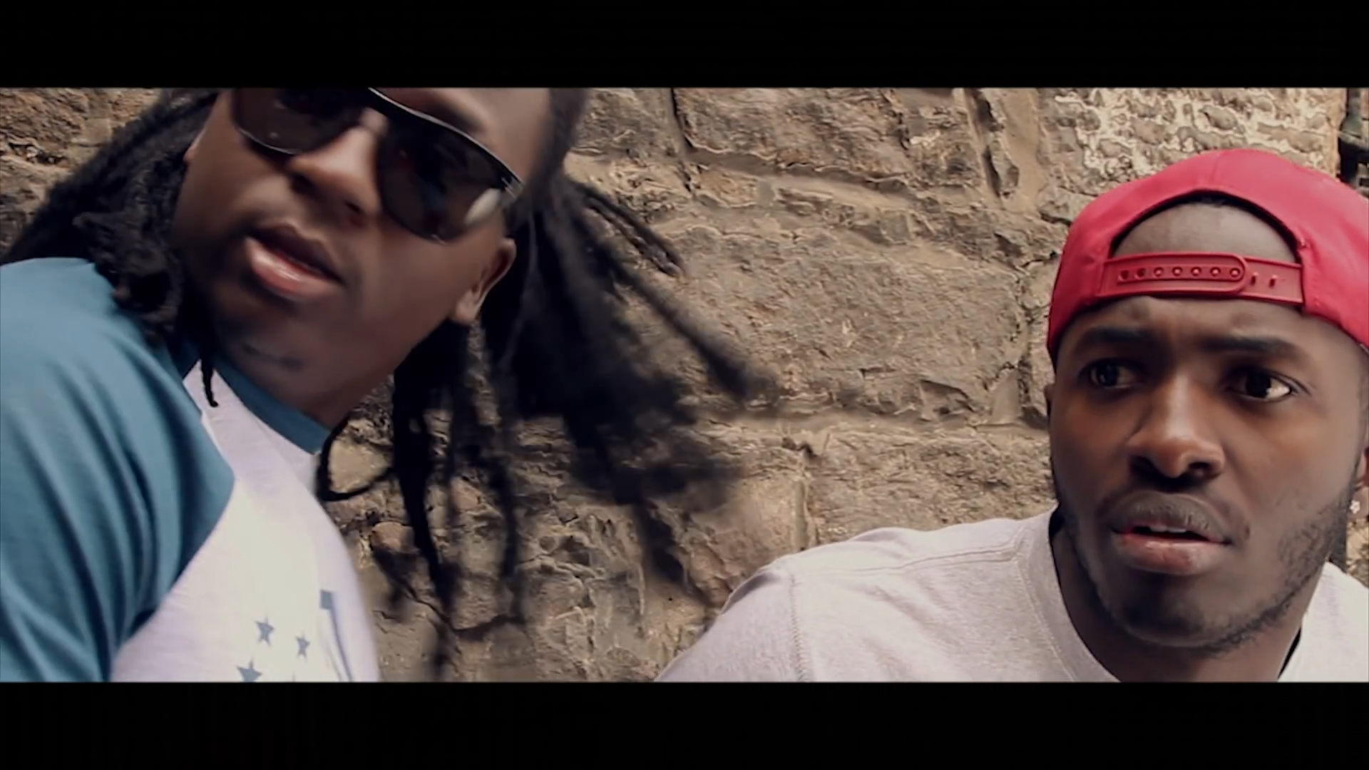 Screenshotter RudeBoneBadGuyOfficialVideo 0'14""