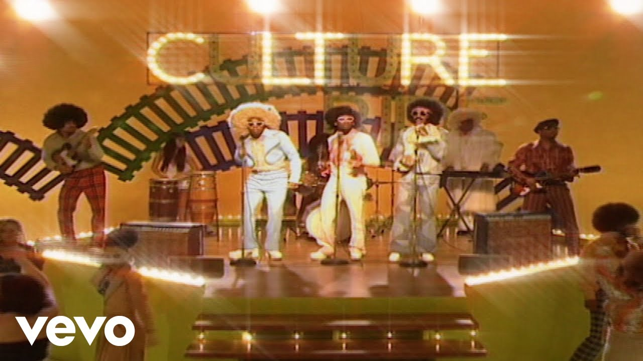 """Migos and Drake Throw Back to the '70s in """"Walk It Talk It"""""""