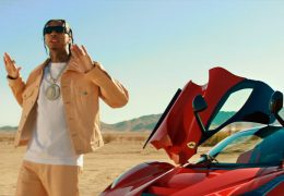 Tyga comes back with a visual for Floss In die Bank